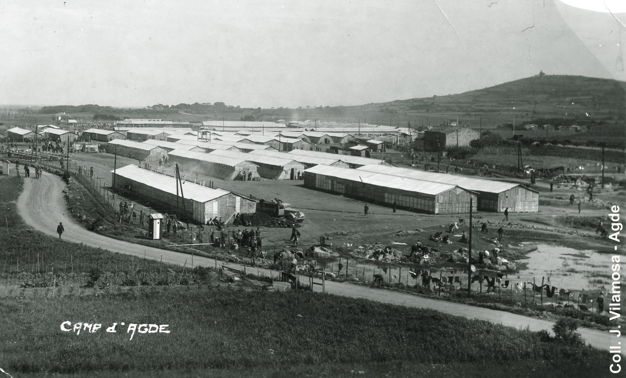 Vue aerienne des baraquements du camp d'Agde